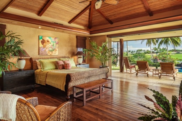 This Authentic Plantation Style Home Embodies Indoor Outdoor Charm With A Renovated Eco Beach Chic Modern Interior Design Enjoy The Sounds Of Waves At